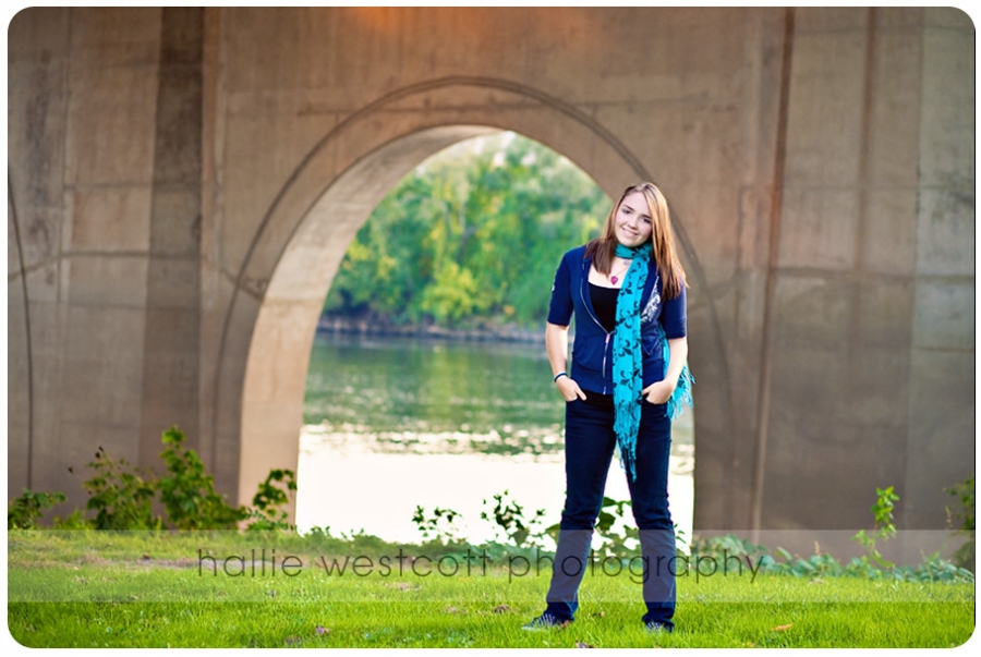 sarah_founders_bridge_7851