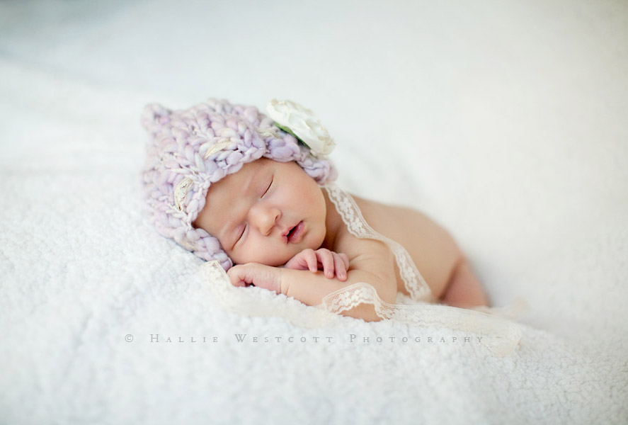 A Hartford, CT photographer captures a sleepy newborn baby