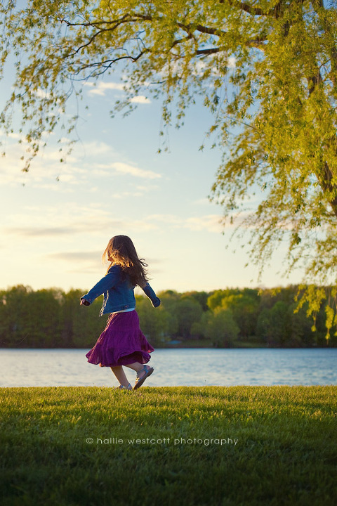 Photographer captures little girl dancing in the sunset at Union Pond in Manchester, CT