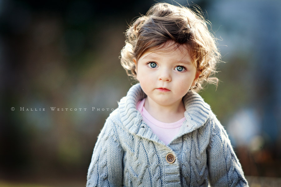 Darien, CT child photographer captures a toddler playing outside